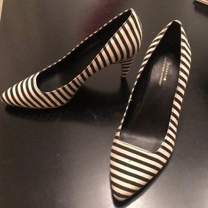 Kate Spade black and white striped pumps. Size 7.